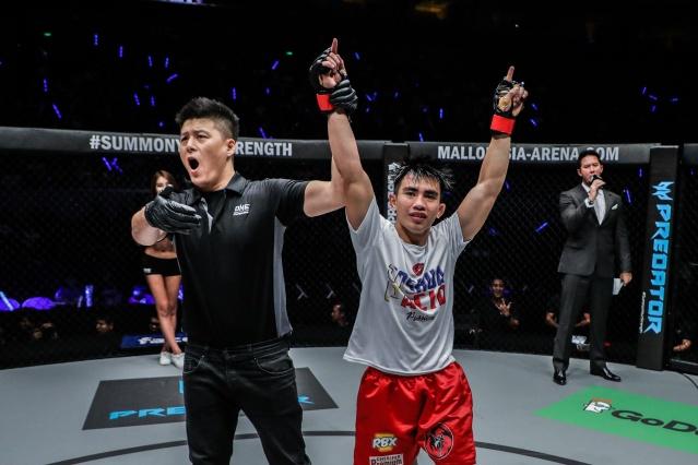 Kemp Cheng, Joshua Pacio