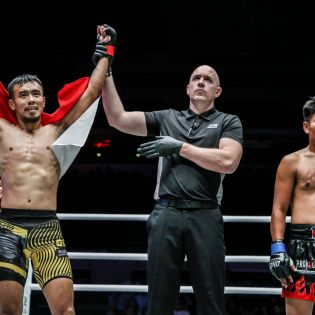 Rudy Agustian, Olivier Coste, Khon Sichan (© ONE Championship)