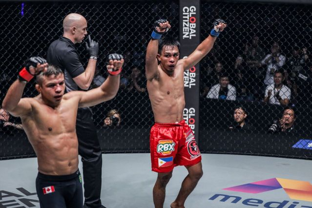 Bibiano Fernandes, Olivier Coste, Kevin Belingon (© ONE Championship)
