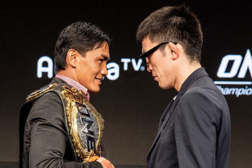 Eduard Folayang, Shinya Aoki (© ONE Championship)