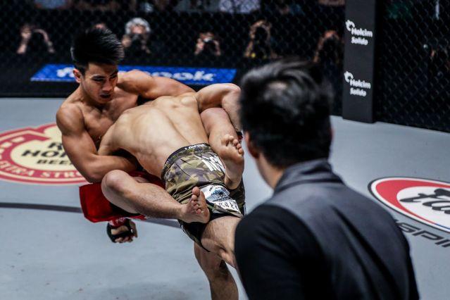 Joshua Pacio, Yosuke Saruta (© ONE Championship)