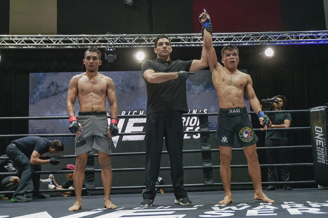 Arif Izzudin, Allan Albindo (©ONE Championship)