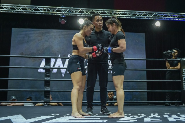 Uyen Ha, Isaac Yap, Neha Kashyap (©ONE Championship)