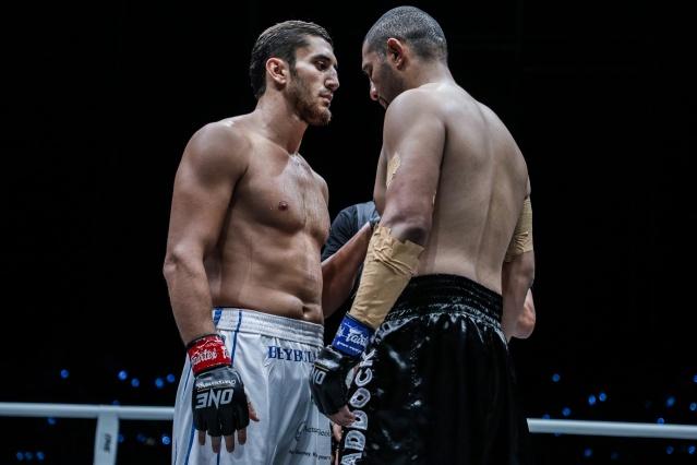 Beybulat Isaev, Anderson Silva (©ONE Championship)