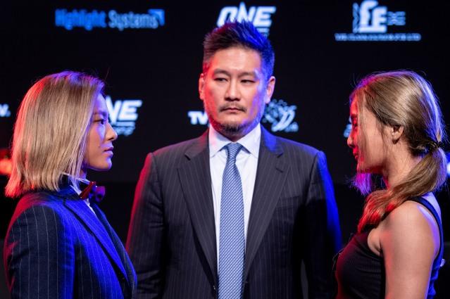 Itsuki Hirata, Chatri Sityodtong, Rika Ishige (©ONE Championship)