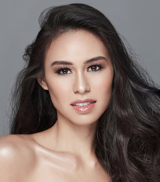 Christelle Abello (©Miss Universe Philippines)