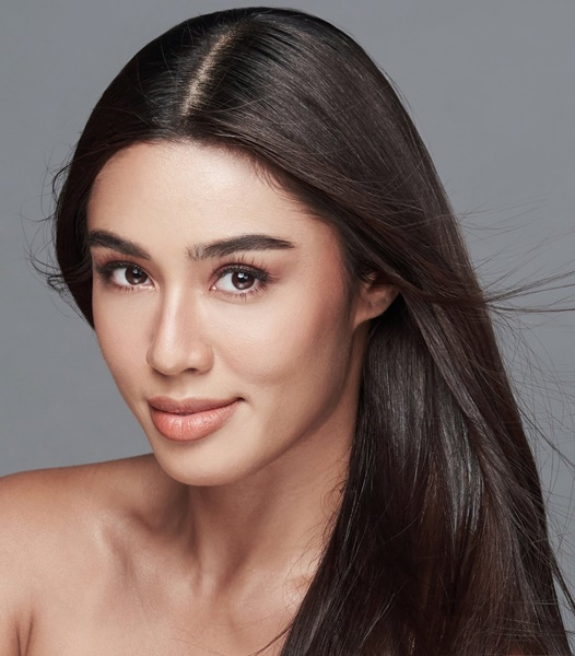 Sandra Lemonon (©Miss Universe Philippines)