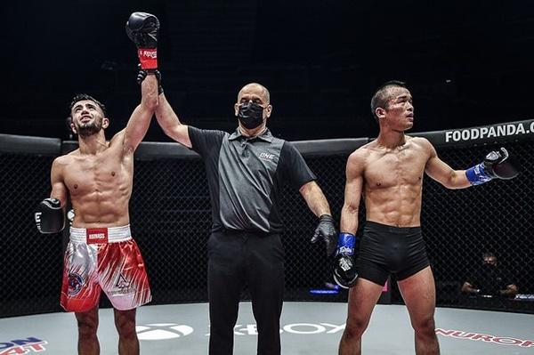 Aslanbek Zikreev, Elias Dolaptsis, Wang Junguang (©ONE Championship)