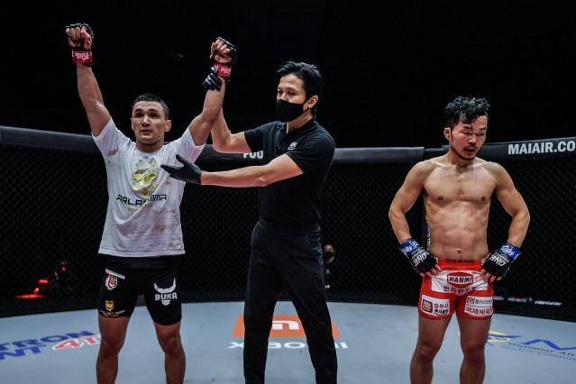 Kairat Akhmetov, Mohamad Sulaiman, Dae Hwan Kim (©ONE Championship)